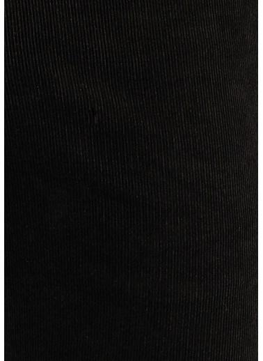 Mavi Pantolon Siyah